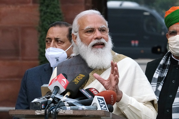 Indian Prime Minister Narendra Modi Sounds Alarm on COVID Crisis, Says Country Is 'on War Footing'