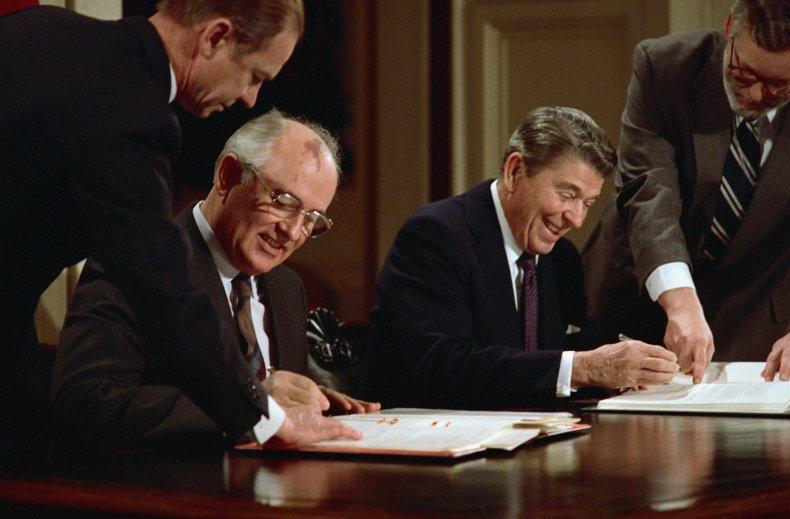 Ronald Reagan and Soviet leader Mikhail Gorbachev
