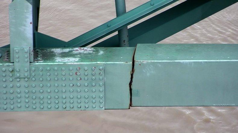 I-40 Bridge Crack in Steel Beam