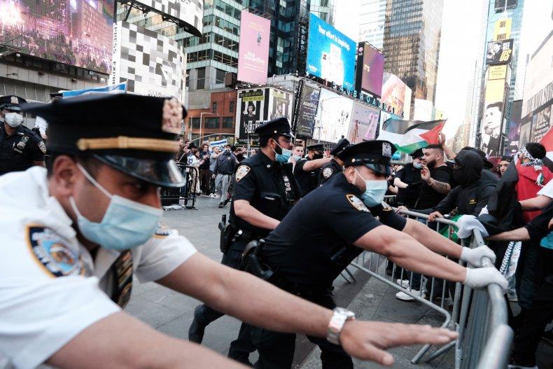 Pro-Palestinian pro Israel clash Times Square