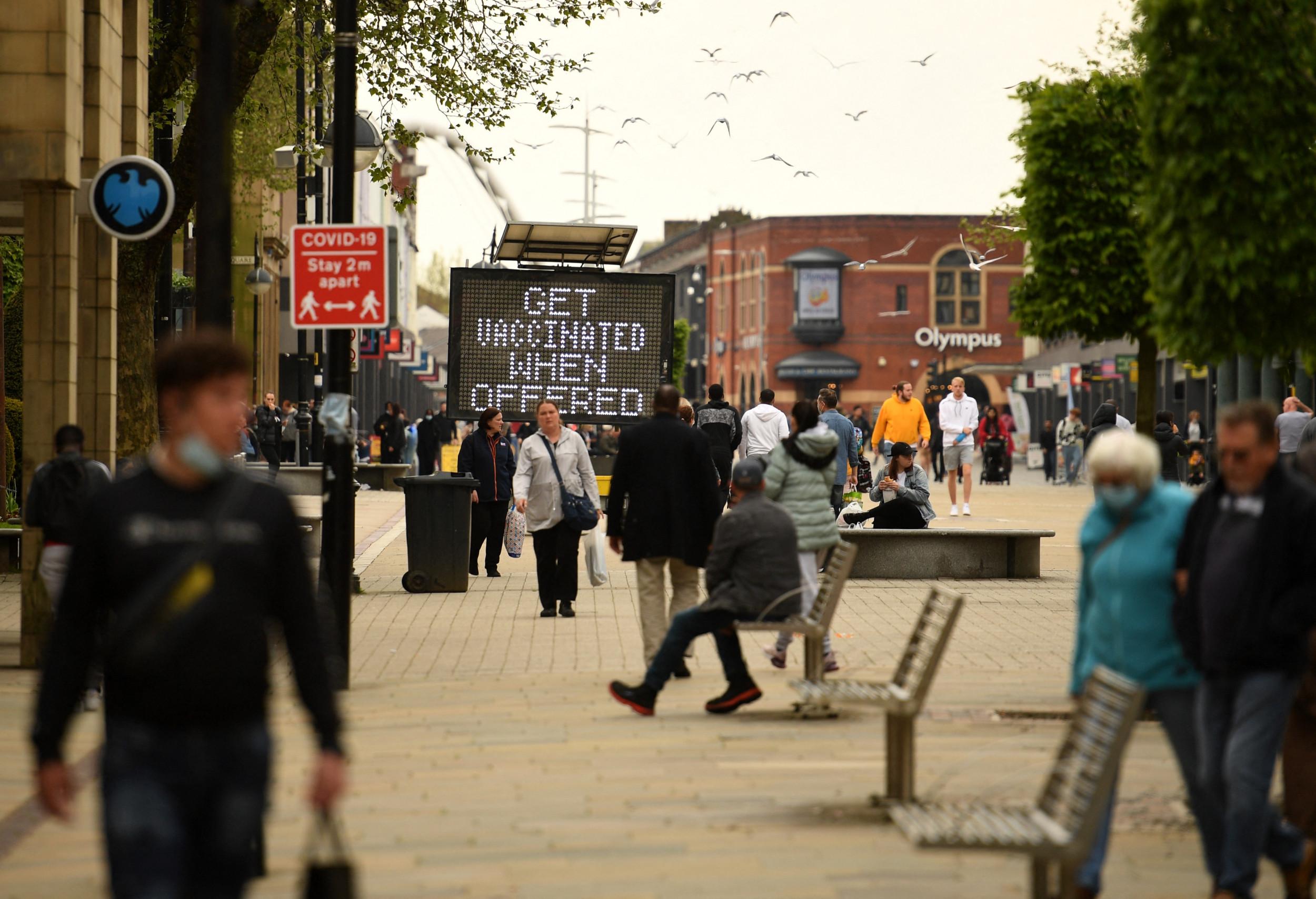 Britain's COVID-19 Cases Jump 24% In One Week, Stoke Fears of Variant Spread, Lockdown