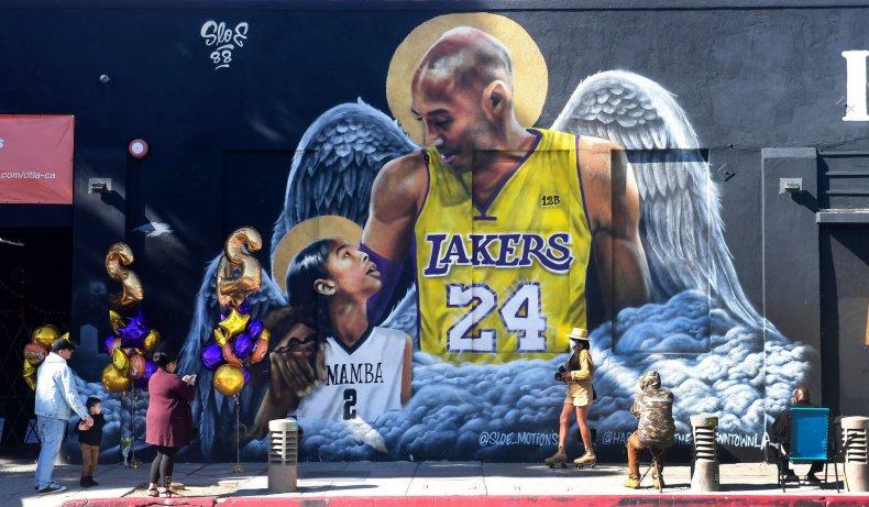 Mural of former Laker Kobe Bryant