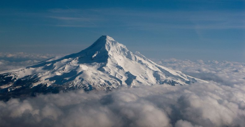 Climber dies after falling from Mount Hood