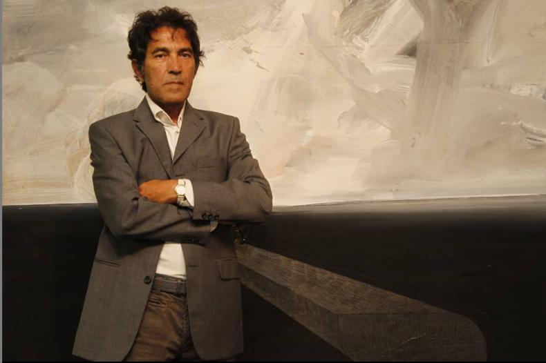 Italian artist sells invisible sculpture