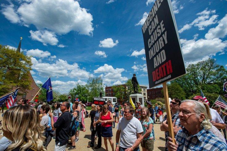 Rally protesting COVID-19 vaccine