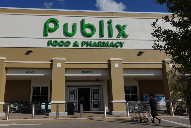 Publix employee stabbed in Miami