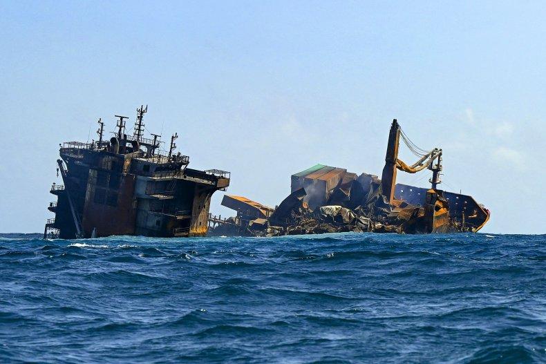Sri Lanka Cargo Ship Sinks
