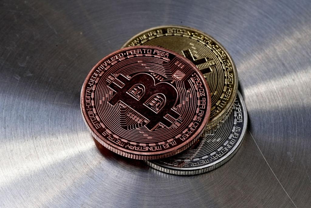 Nusipirkite suvenyrinę monetą bitcoin