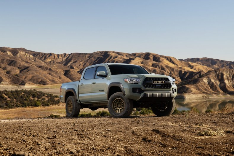 2022 Toyota Tacoma Trail Edition front 3/4