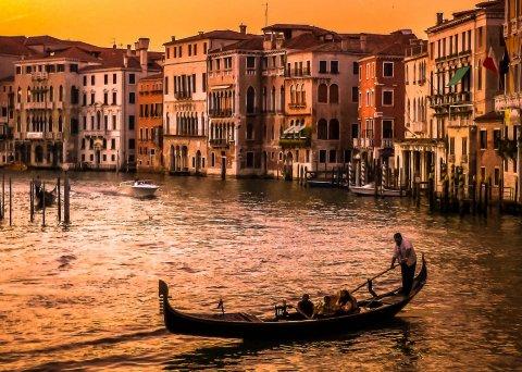 CUL_Map_Books_ Venice