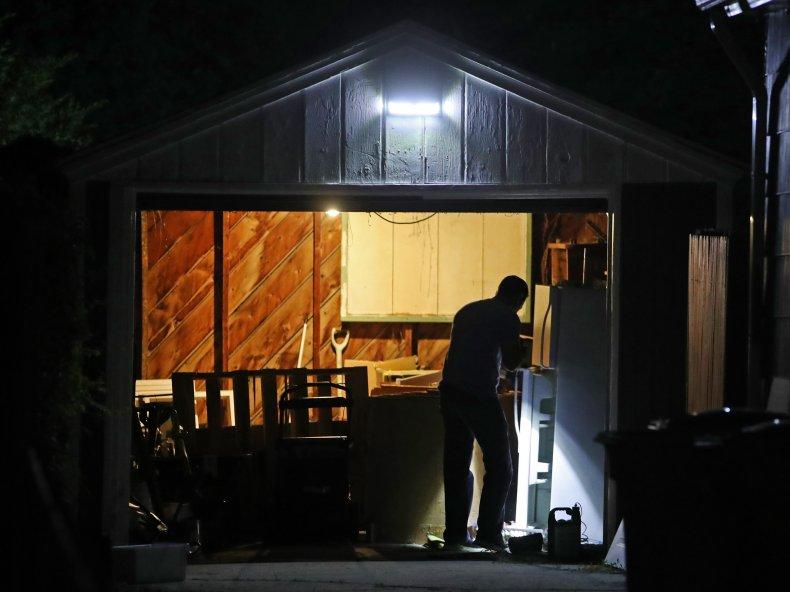 Salt Lake City police investigator searches home