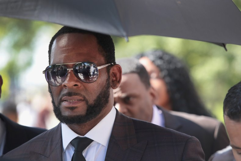 r. kelly lawyers withdraw federal racketeering