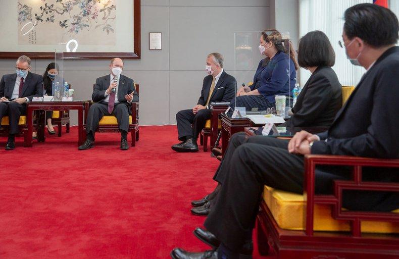 U.S. Senators Meet Taiwan President In Taipei