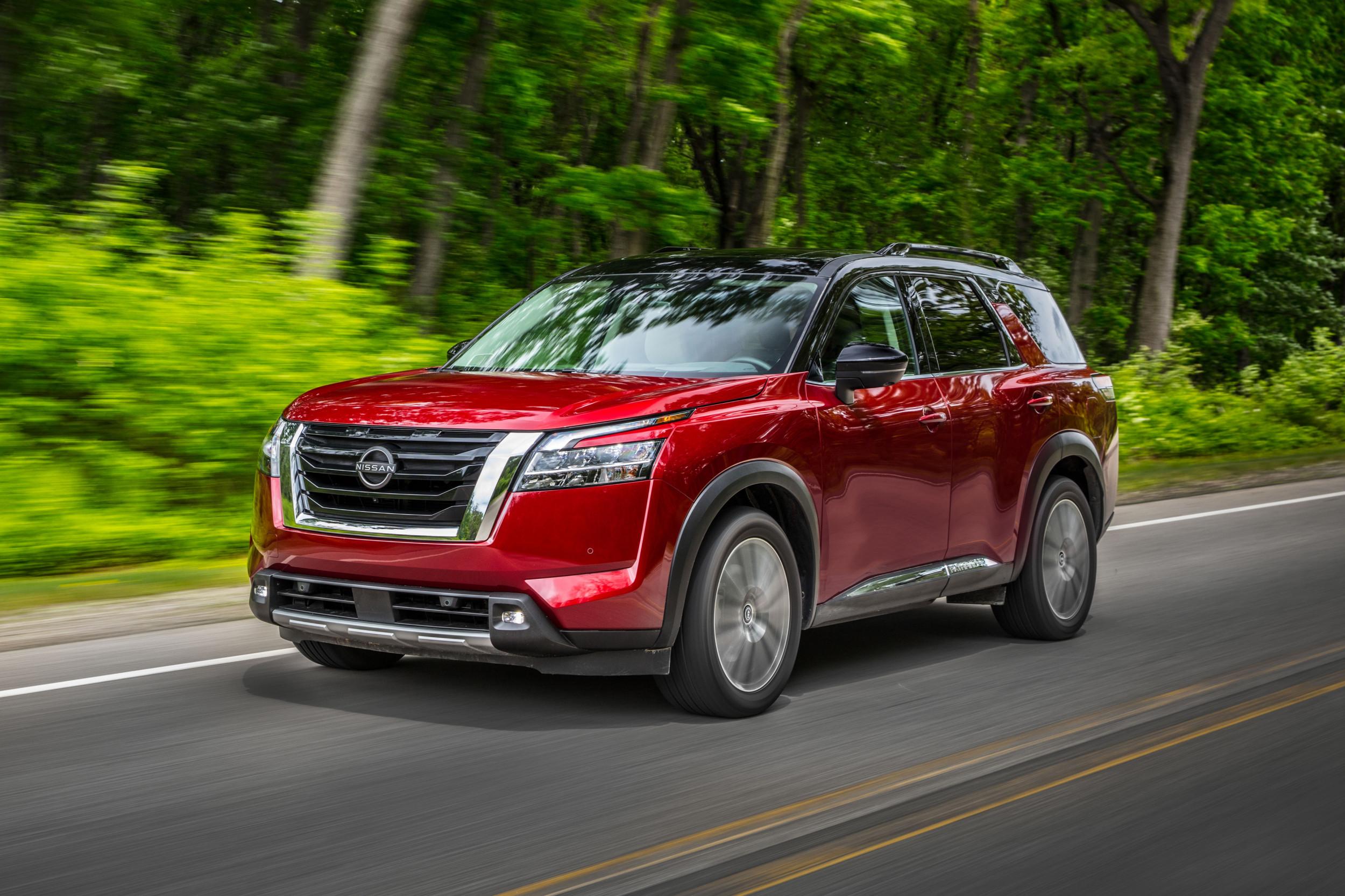 2022 Nissan Pathfinder front face