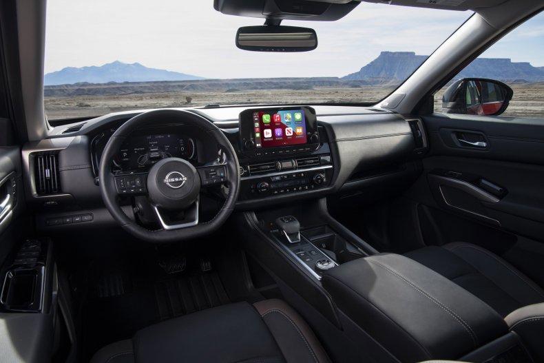 2022 Nissan Pathfinder interior driver