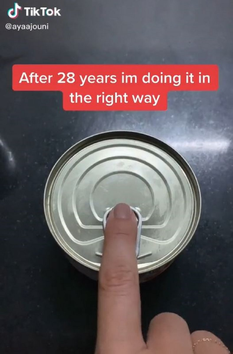 @ayaajouni demonstrating how to open a can
