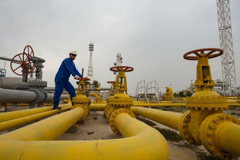 Iraq Energy Gas Worker