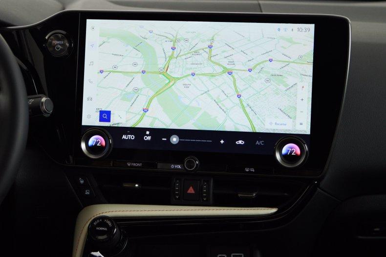 Lexus Toyota infotainment screen 2021