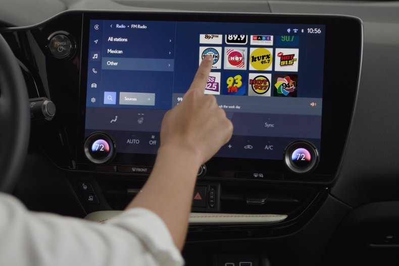 Toyota Lexus infotainment system 2021