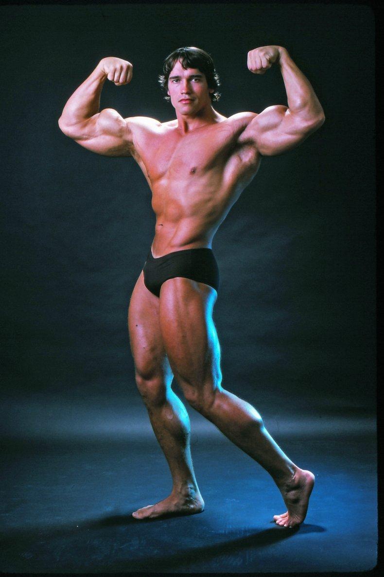 Arnold Schwarznegger posing as bodybuilder
