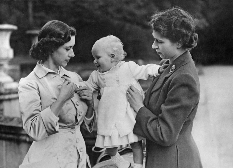 Queen with Margaret and Princess Anne