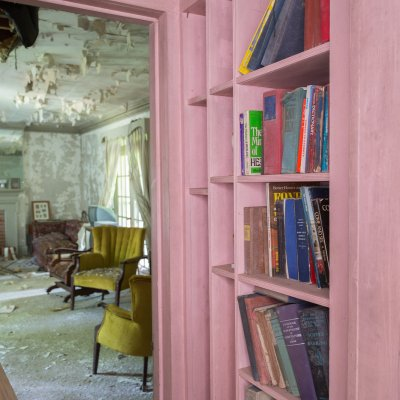 Interior shots of an abandoned house.