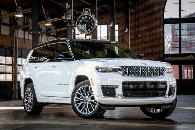 2021 Jeep Grand Cherokee L front face