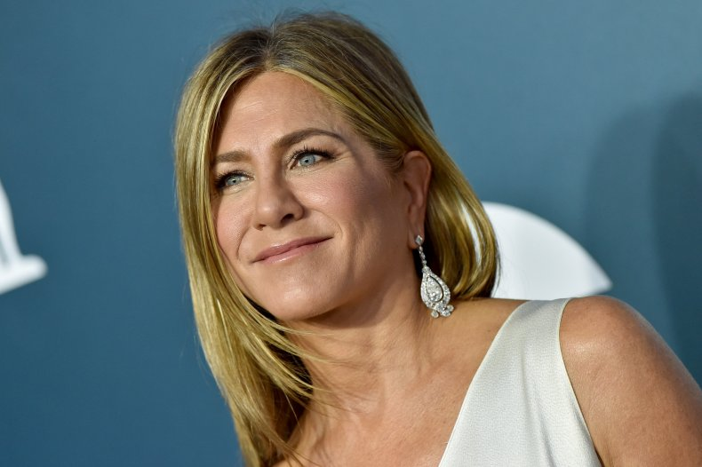 """Jennifer Aniston stole clothes from """"Friends"""""""