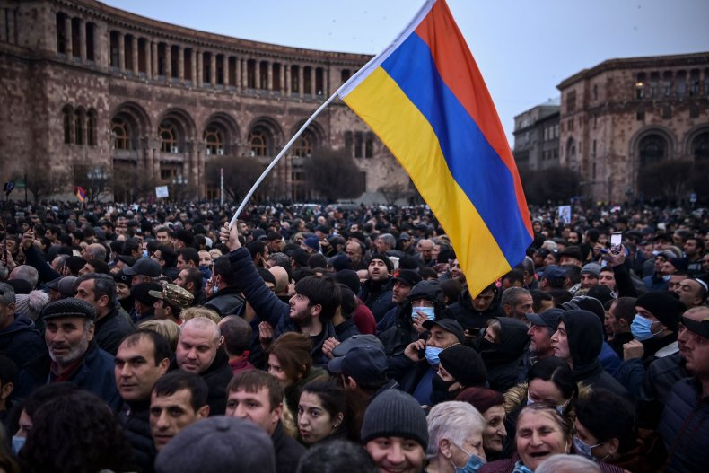 Supporters of Armenian Prime Minister Nikol Pashinyan