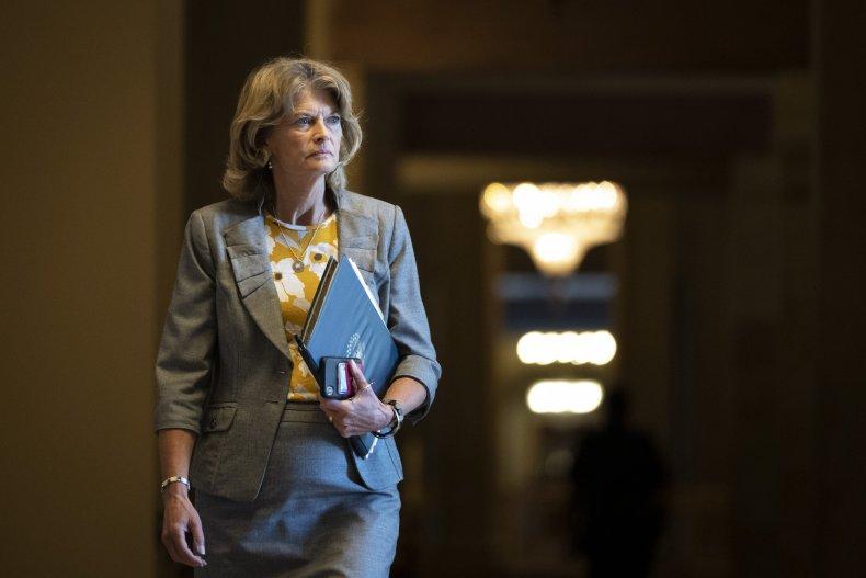 Trump Endorses GOP Challenger to Lisa Murkowski