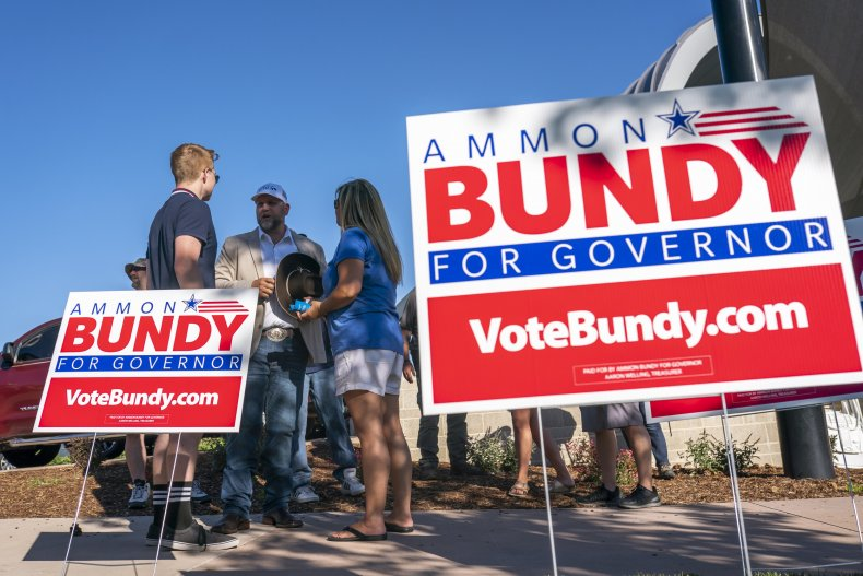 Ammon Bundy campaign signs