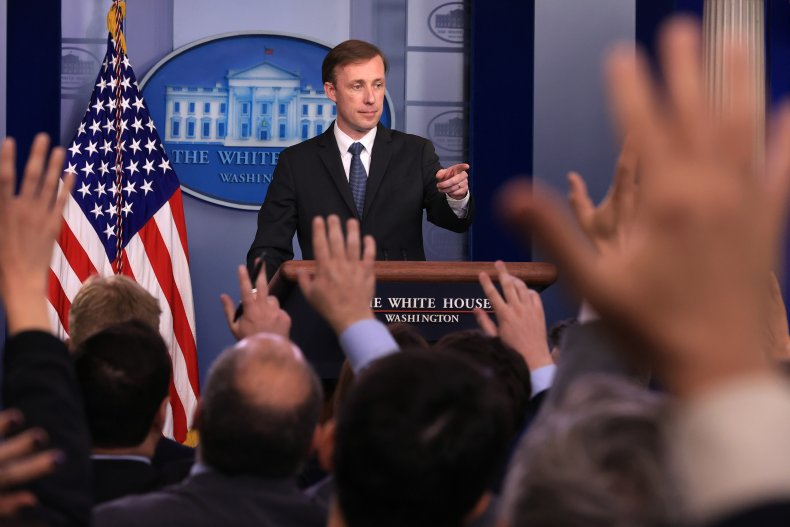 Top White House Aide Meets Press