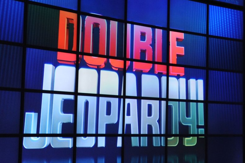 """""""Jeopardy!"""" issues apology for """"outdated"""" clue"""
