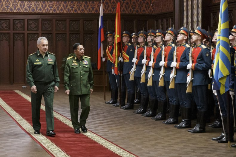 Sergei Shoigu with Myanmar's Junta Leader