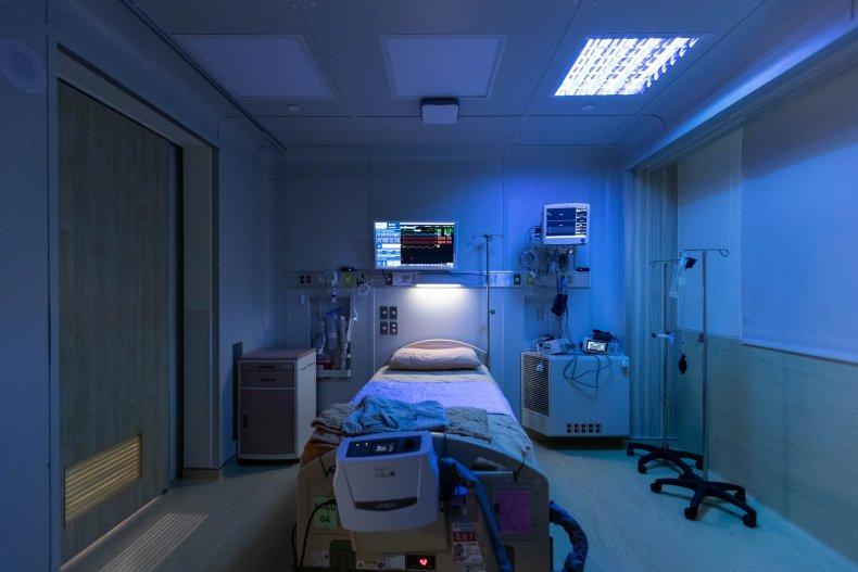 Miniwiz created a hospital ward from trash