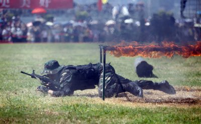 Chinese Troops Drill In War Games