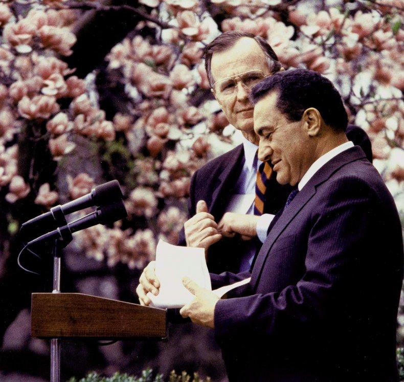 The White House Rose Garden in 1989.