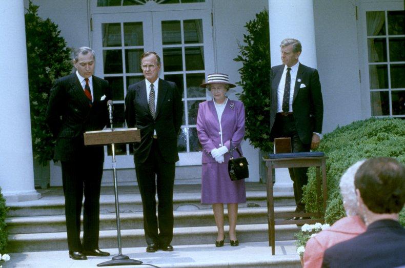 The White House Rose Garden in 1991.