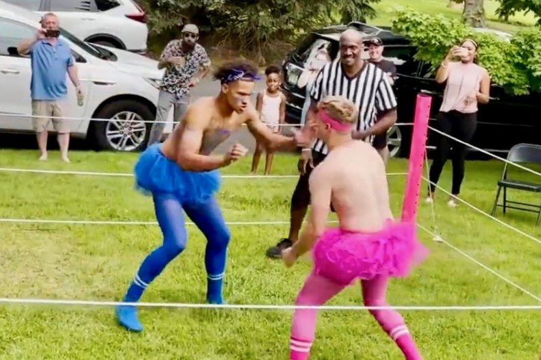 Gender reveal party has WWE-style wrestling match
