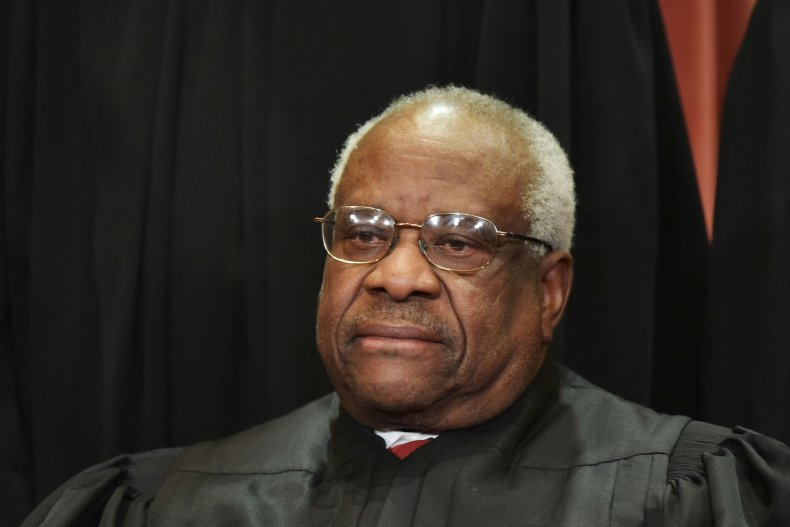 [GTFO]Justice Clarence Thomas Praised for Suggesting It's Time to Lift Federal Marijuana Ban