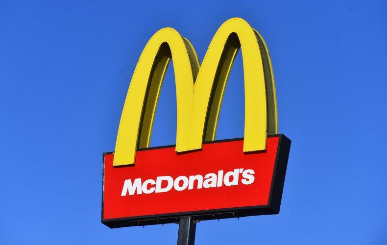 An photo of a McDonald's logo.