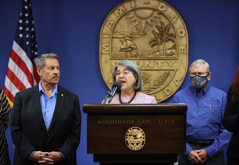 Miami-Dade County Suggests Masks Outside Despite DeSantis' Ban on Mandates