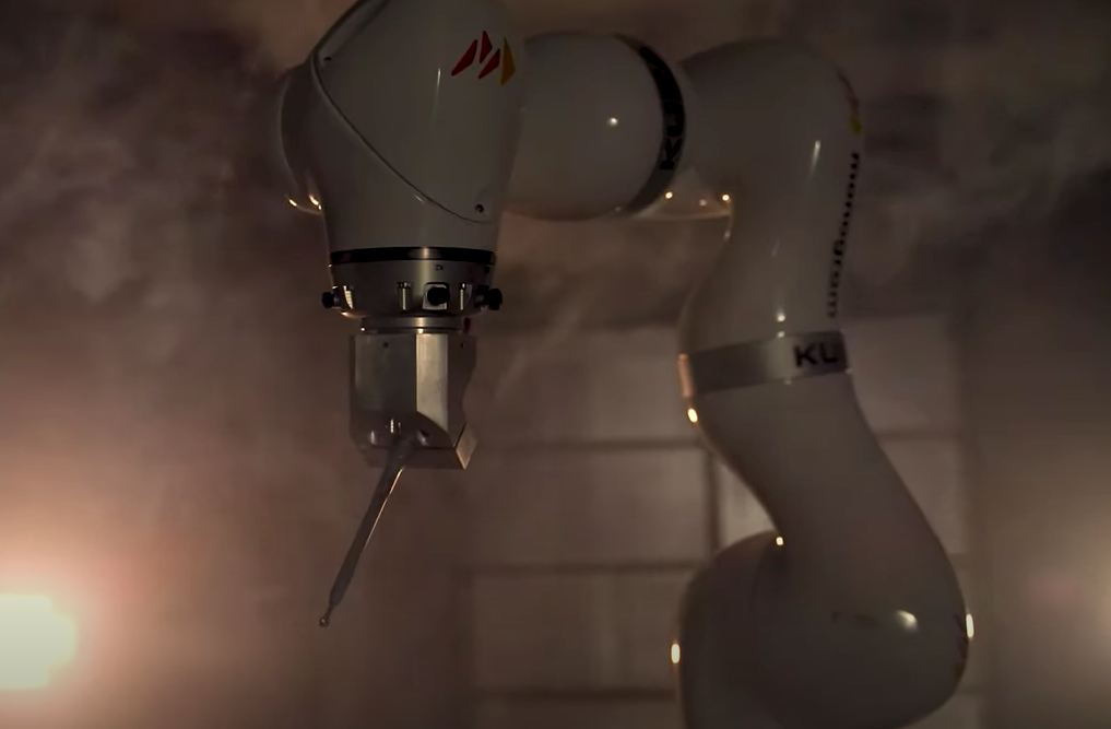 This surgical robot can impeccably implant a replacement of 3D printed joints