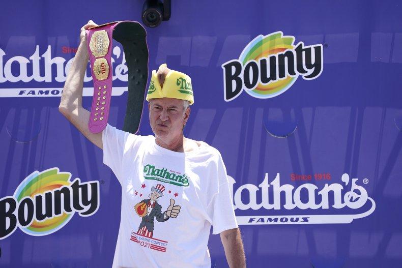 De Blasio booed at hot dog contest