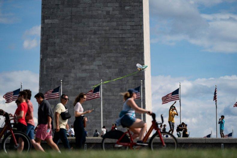 Man arrested after Washington Monument crash