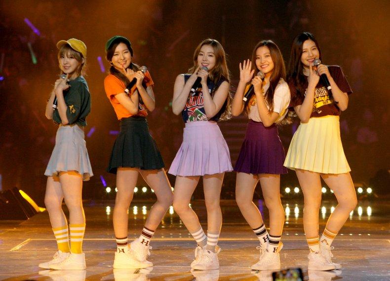 K-pop band Red Velvet at 2015 KCON.