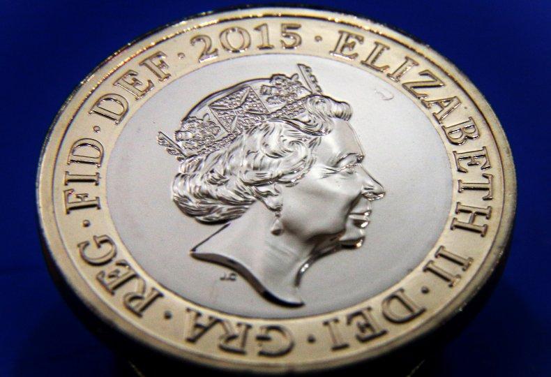 Queen Elizabeth II on £2 Coin