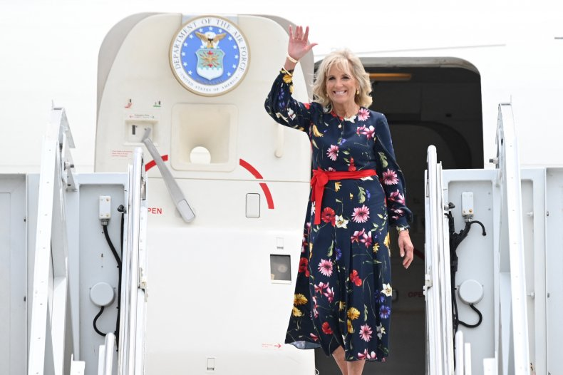 Jill Biden walks off plane in Georgia.