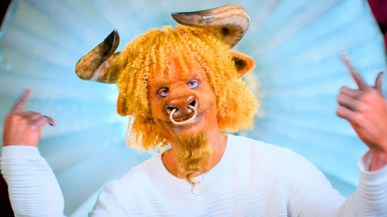 Sexy Beasts on Netflix - Bull