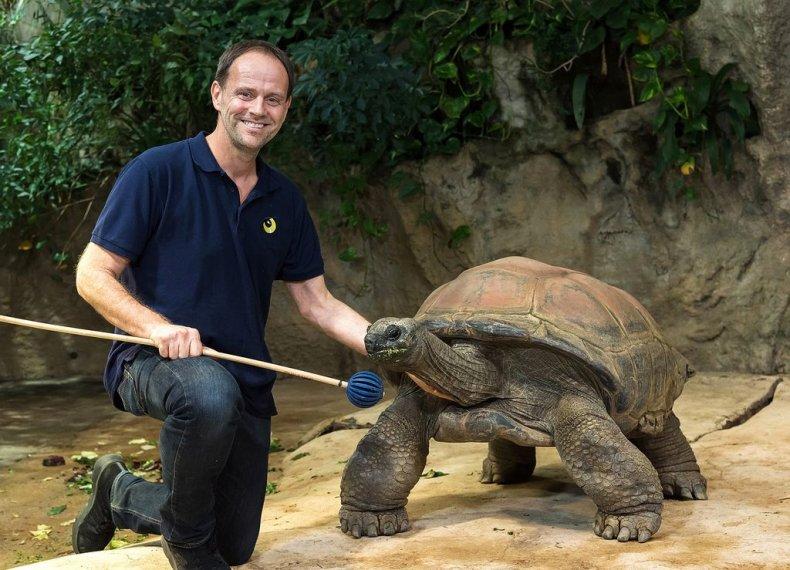 zookeeper with Schurli